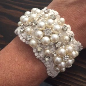 Jewelry - White Pearl Bridal Cuff Bracelet-New